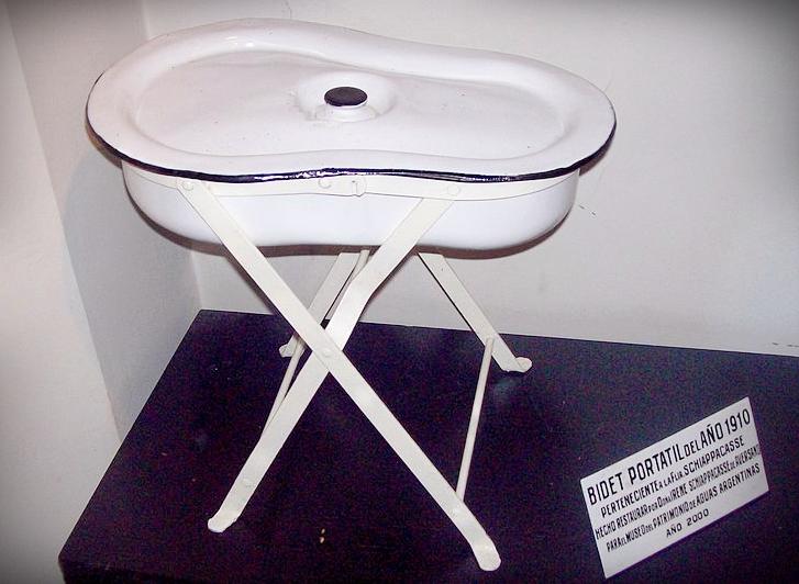 Piccole Vasca Da Bagno In Cui Si Sta Seduti : Un bagno seduto per un piccolo bagno bagno seduto per bagni piccoli
