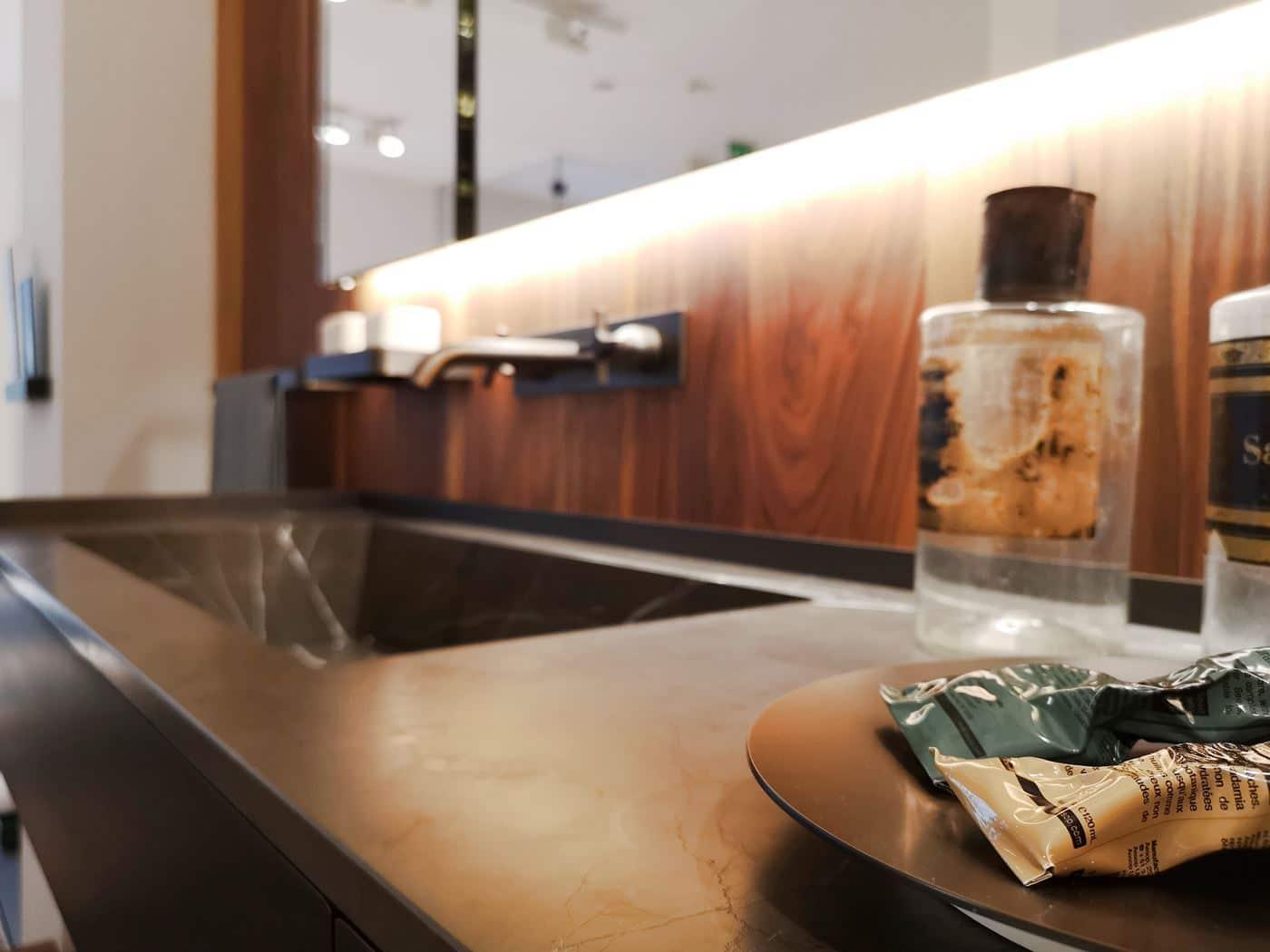Lampada Sopra Specchio Bagno illuminazione specchio bagno: come creare la luce ideale