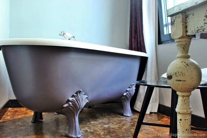 vintage purple bathtub