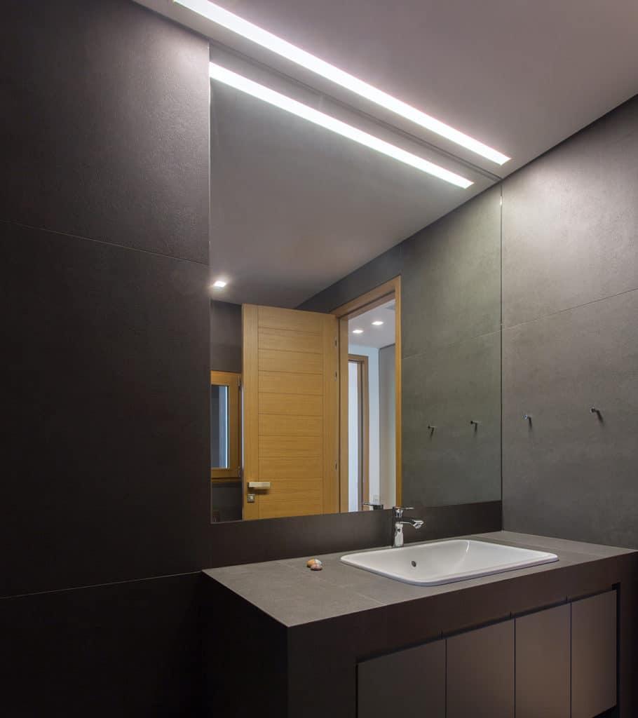 Specchi Bagno Incassati A Muro.Illuminazione Specchio Bagno Come Creare La Luce Ideale