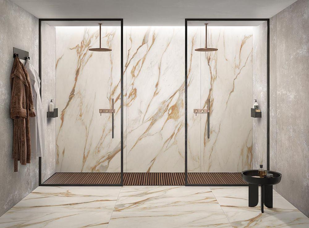 doccia in gres porcellanato effetto marmo venature oro