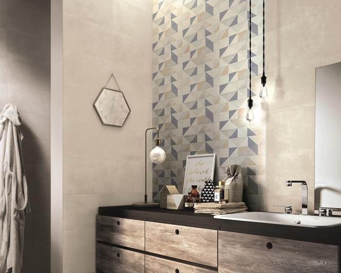 Piastrelle decorate per incorniciare la pareti del bagno idee da