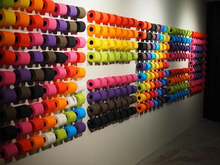 Carta igienica colorata - bagni pubblici nel mondo