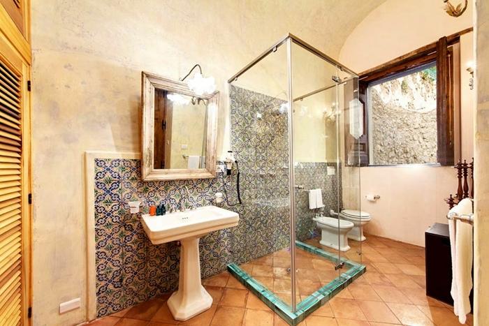 Sala Da Bagno Lusso : Le sale da bagno di villa san giacomo a positano