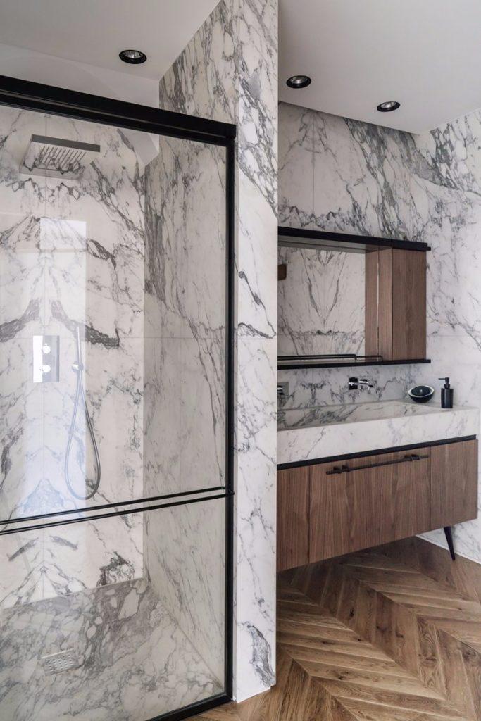 Appartamento Lagrange Torino bagno marmo e legno
