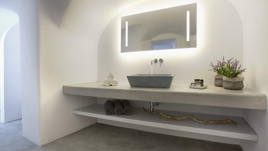 bagno per la casa al mare in stile moderno