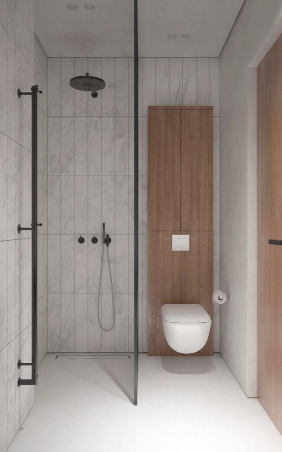 bagno accessibile con le maniglie