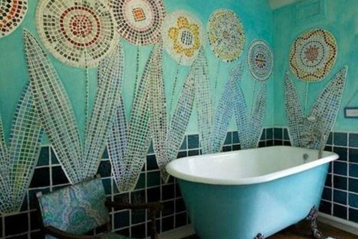 Un bagno con motivi o piastrelle a fiori un bagno petaloso