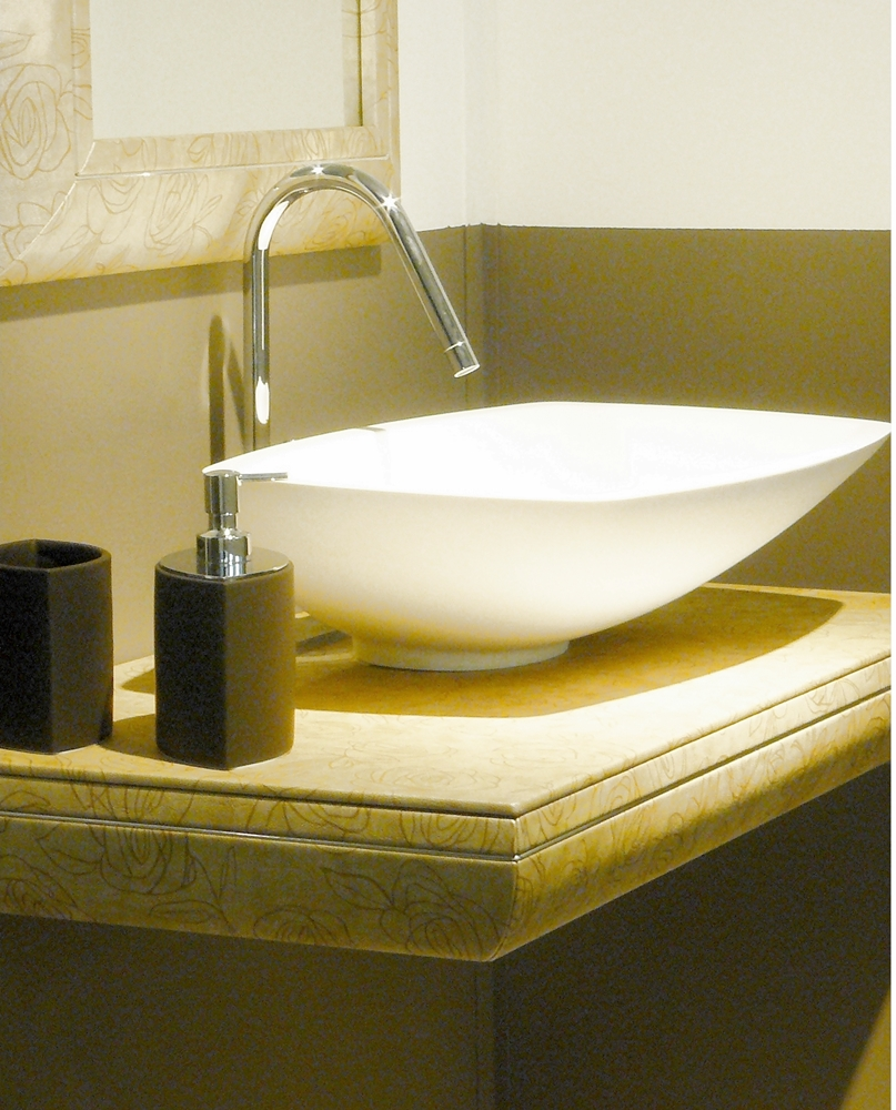 Piano Per Lavabo Da Appoggio come scegliere il lavabo: a colonna, sospeso o in appoggio?