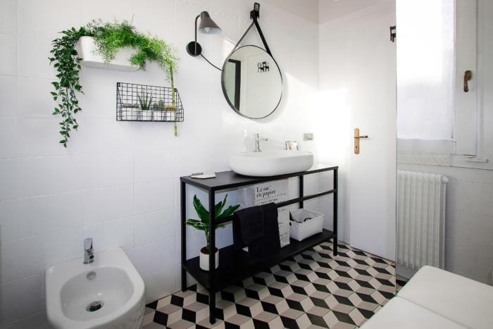 Ristrutturare bagno fai da te con idee low cost