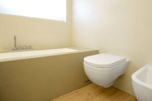 Bagno nuovo senza togliere le piastrelle con microtopping - Sigillare fughe piastrelle doccia ...