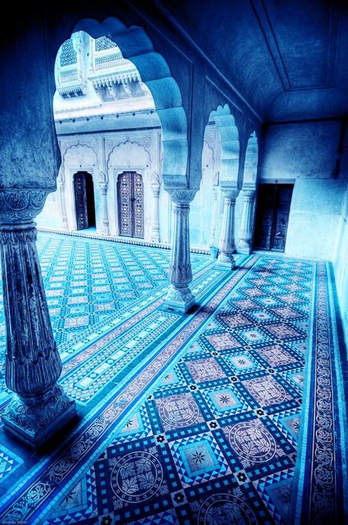 un post sulla bellezza - beauty philosophy blue