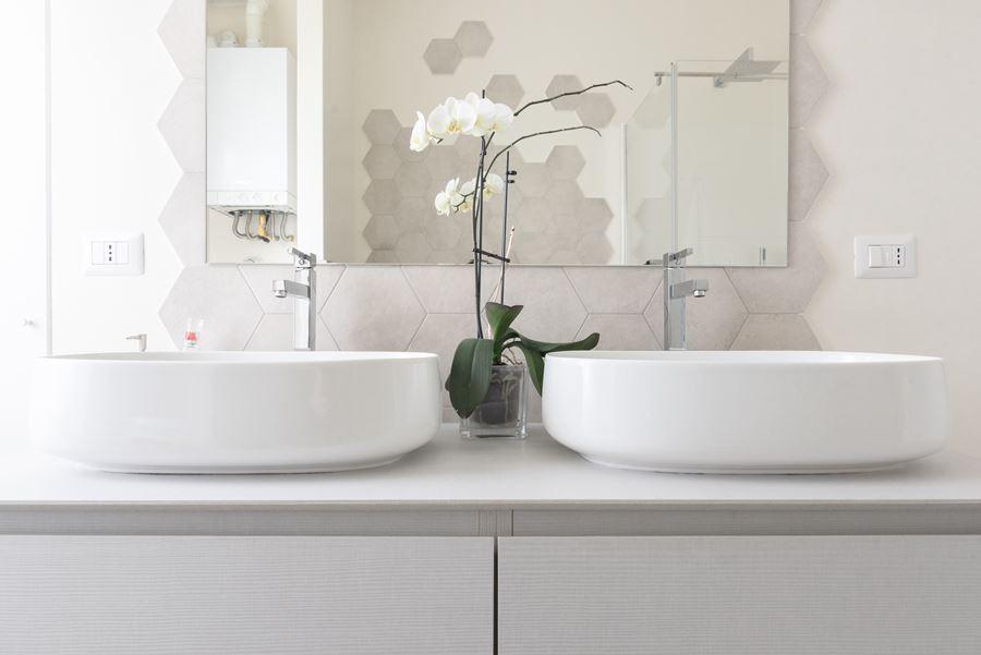 Bagno Colori Neutri : Italian bathrooms l eleganza dei colori neutri